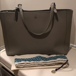 Gorgeous Tory Burch Large Robinson Tote